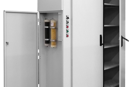 Airtight cabinet for decontamination of modern paper material with ozone