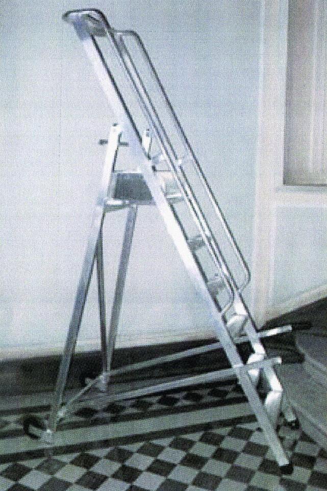 Tirrenia srl scala a castello pieghevole in alluminio su for Scala scorrevole per libreria