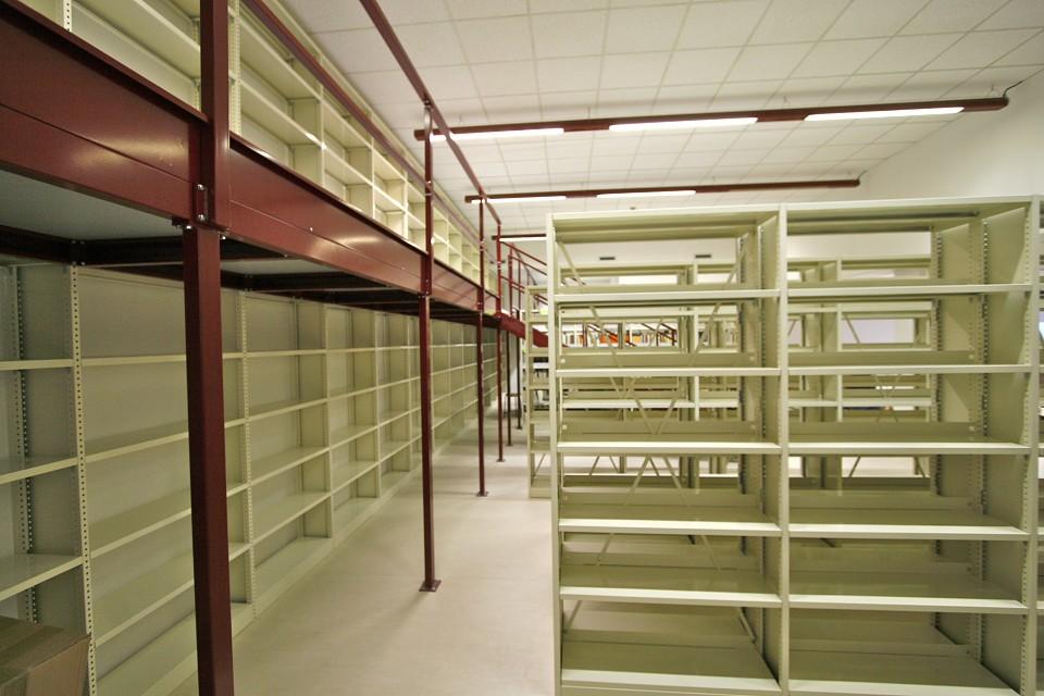 Tirrenia srl scaffali lectura archivio compattabile for Decorazioni autoadesive per mobili